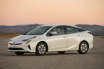 Toyota Prius prova su strada: la regina dell'ibrido diventa Plug-in e conquista tutti