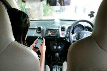Incidenti da cellulare, scatta il ritiro della patente per i trasgressori